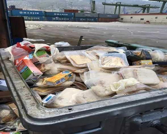 Αποτέλεσμα εικόνας για πεταμένες μερίδες φαγητού λαθρομεταναστών