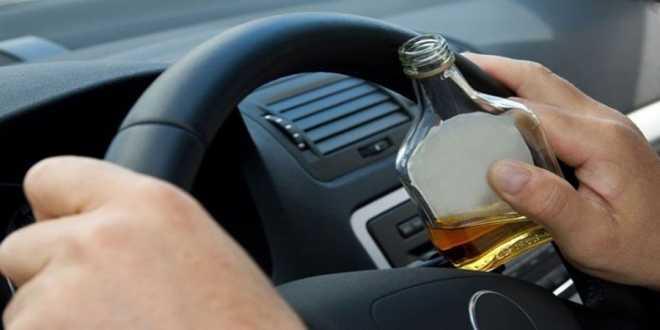 «SOS» για τις ημέρες των εορτών: Ένα στα τρία θανατηφόρα τροχαία οφείλεται στο αλκοόλ