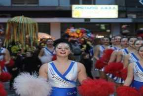 Εδεσσαϊκό Καρναβάλι 2017: Φωτιά στο Σαββατόβραδο η βραδιά της μεγάλης παρέλασης με πάνω από 3000 καρναβαλιστές! video