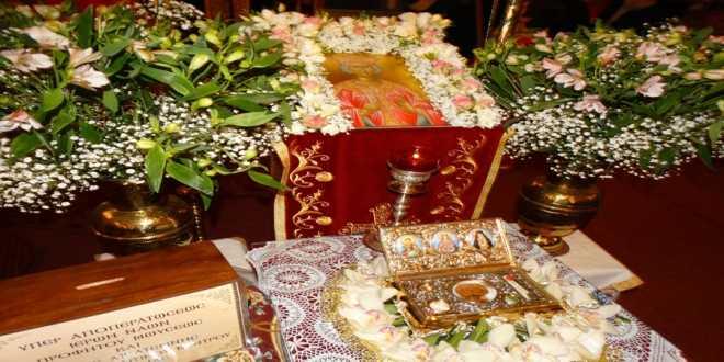 Πλήθος πιστών για την υποδοχή και προσκύνηση του Ιερού Λειψάνου της Αγίας Αικατερίνης στα Γιαννιτσά (φωτο-βίντεο)
