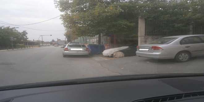 Έκανε «πατέντα – τέντα» ανάμεσα στο γυμναστήριο και στο δημοτικό για να παρκάρει το όχημα του!