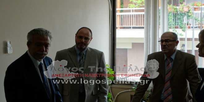 Αποδοκιμασίες προς τον Υπουργό Δικαιοσύνης στο Πρωτοδικείο Γιαννιτσών (vid)