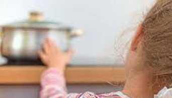 d2ac71a4a4c Μωρό 16 μηνών νοσηλεύεται με εγκαύματα από καυτή σούπα – Λόγος της ...